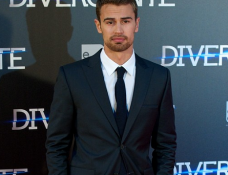 Theo James in Calvin Klein | 'Divergent' Madrid Premiere