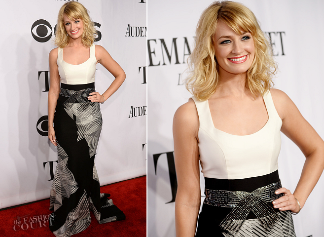 Beth Behrs in Carolina Herrera | 2014 Tony Awards