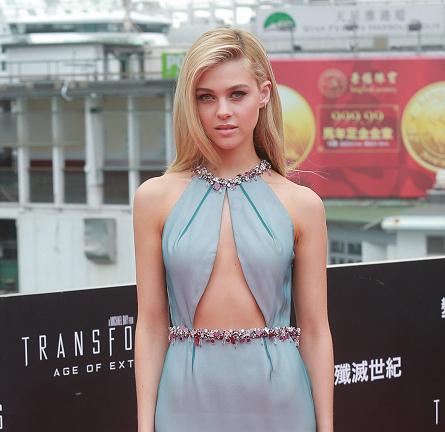 Nicola Peltz in Prada | 'Transformers: Age of Extinction' World Premiere