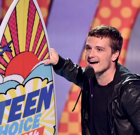 Josh Hutcherson in Emporio Armani & AllSaints | 2014 Teen Choice Awards
