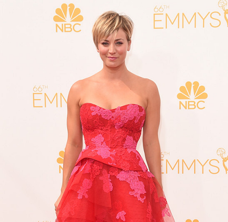 Kaley Cuoco Sweeting in Monique Lhuillier | 2014 Primetime Emmy Awards