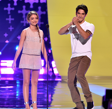 TCAs 2014: Sarah Hyland Co-Hosted in Style!
