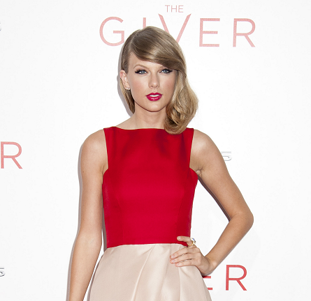 Taylor Swift in Monique Lhuillier | 'The Giver' NYC Premiere