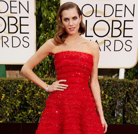 Allison Williams in Armani Privé | 2015 Golden Globes
