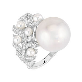 Chanel Fine Jewelry 'Plume Perlée' Ring