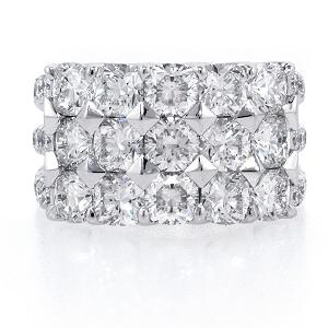 Forevermark Diamond Bracelet with Cushion Forevermark Diamonds set in Platinum
