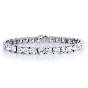 Forevermark Three Row Band with Round Brilliant Forevermark Diamonds set in 18k White Gold