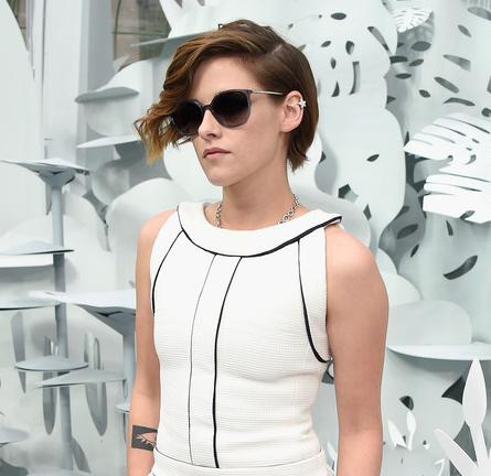 Kristen Stewart in Chanel   Paris Couture Fashion Week: Spring 2015 – Front Row at CHANEL