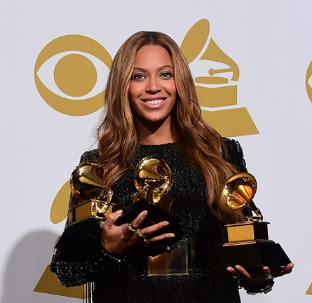 Beyoncé in Balmain | 2015 GRAMMYs