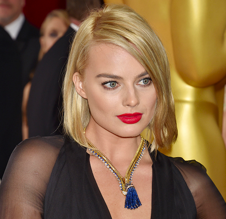 Margot Robbie in Saint Laurent | 2015 Oscars