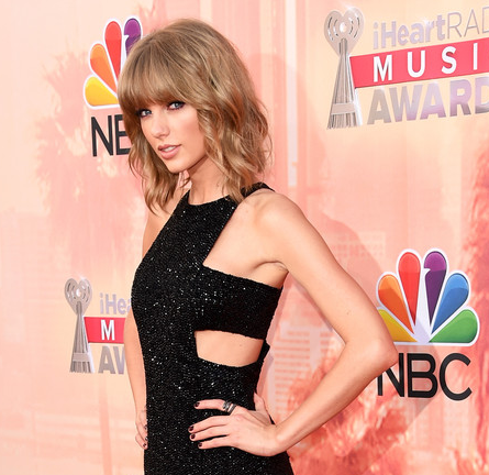 Taylor Swift in Kaufmanfranco | 2015 iHeartRadio Music Awards