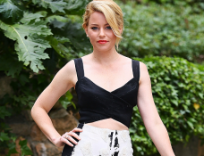 Elizabeth Banks in Donna Karan | 'Pitch Perfect 2' Rome Photocall