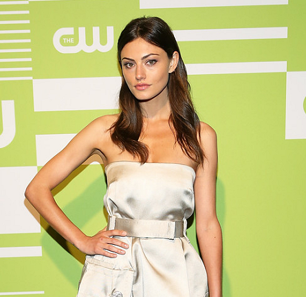 Phoebe Tonkin in Marc Jacobs | CW Upfronts 2015