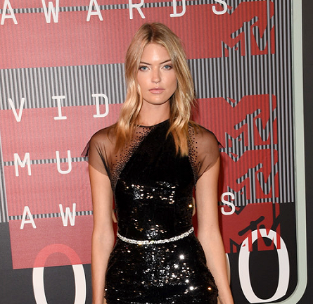 Martha Hunt in Georges Chakra Couture | MTV VMAs 2015