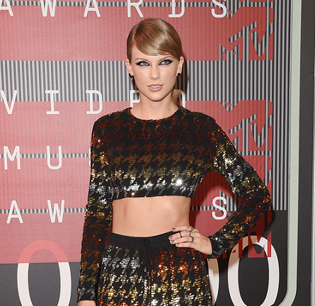 Taylor Swift in ASHISH & Yousef Aljasmi | MTV VMAs 2015