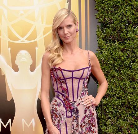 Heidi Klum in Atelier Versace | 2015 Creative Arts Emmy Awards