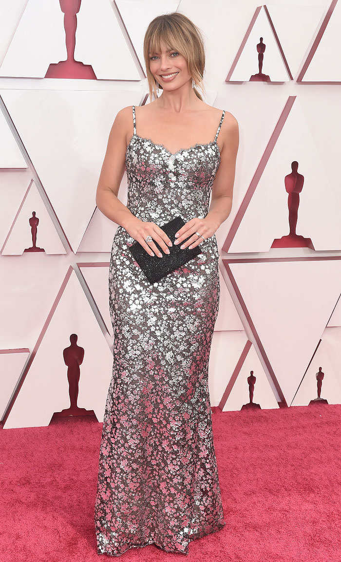 Margot Robbie in Chanel Couture | 2021 Oscars – The Fashion Court